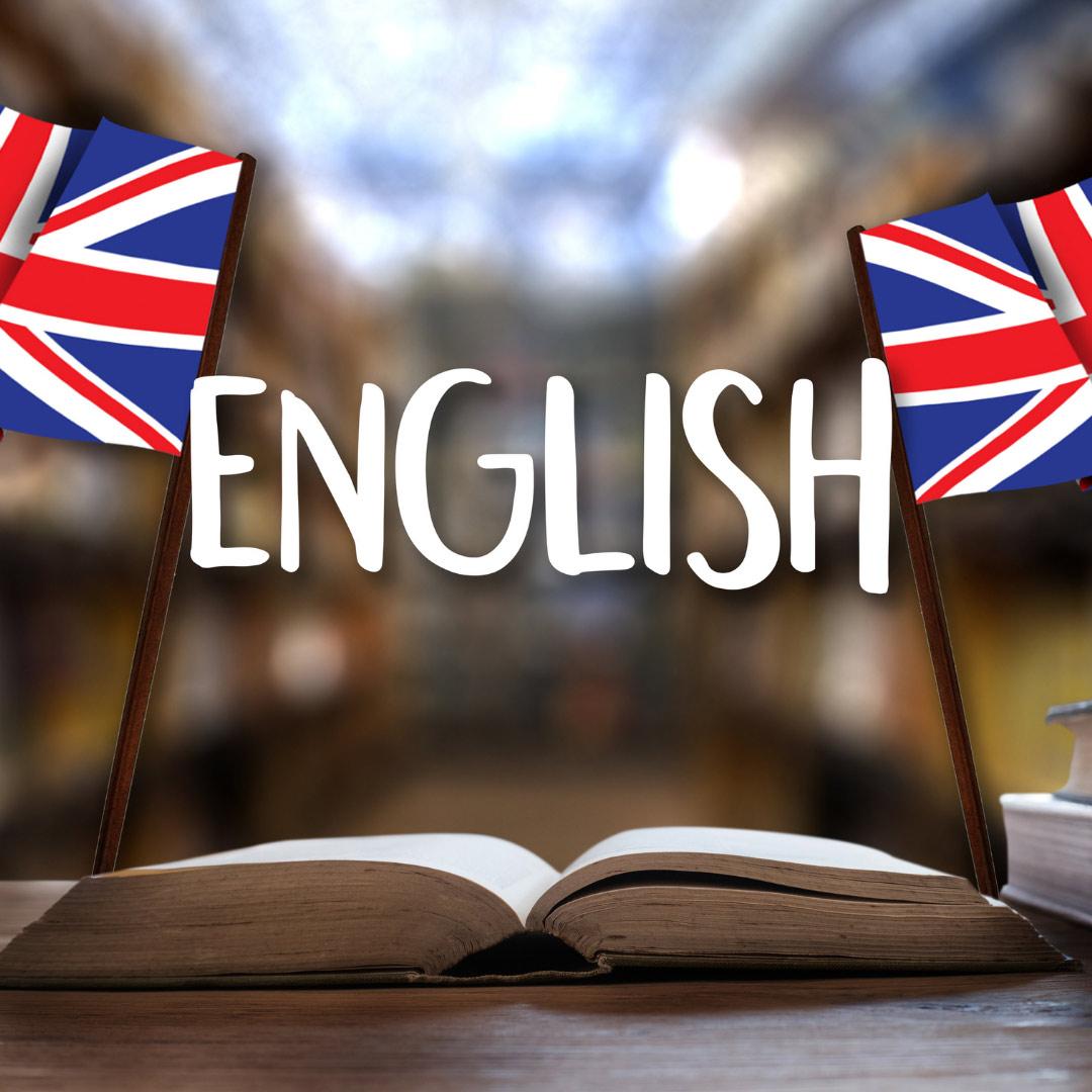 مطالعه کتابهای مخصوص لغات انگلیسی